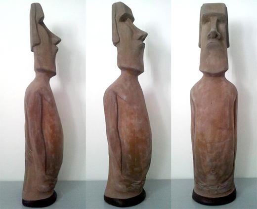 moai-3-pose.jpg